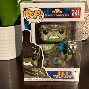 THOR RAGNAROK FUNKO POP BOBBLE HEAD VINYL